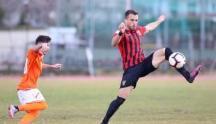 Σοκ: Νεκρός ο ποδοσφαιριστής Νίκος Τσουμάνης!