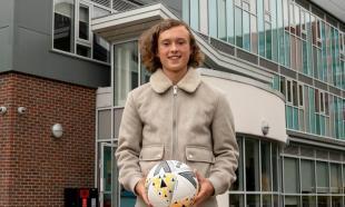 Σκόραρε στο «Ολντ Τράφορντ» σε ηλικία 16 ετών και σήμερα γύρισε στο σχολείο γιατί γράφει τεστ!