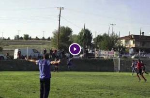 Προπονητής ξεσπά σε πατέρα παίκτη, την ώρα του αγώνα [VIDEO]